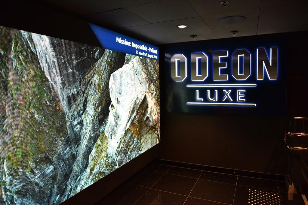Großes Display im Odeon