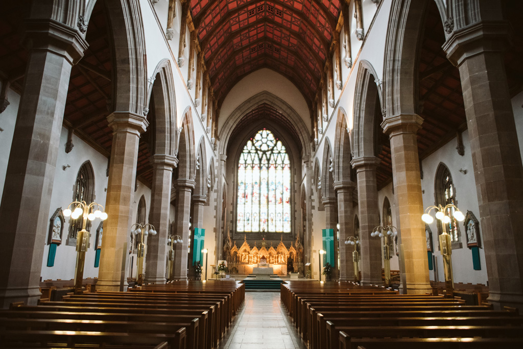 Blick ins Kirchenschiff