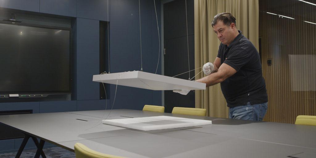 Installation des Deckenmikrophons