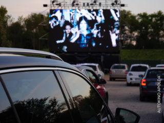 LED-Wand im Autokino