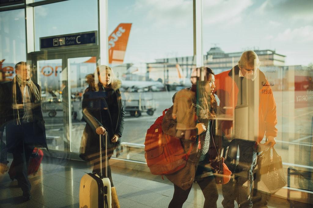 Flughafen-Geschäftsreise-Travel-Passagier-Menschen