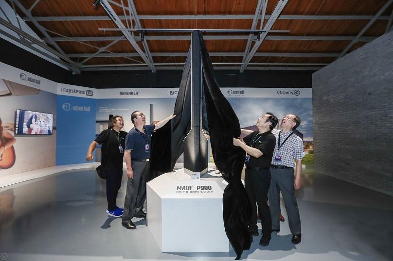 In der Ausstellungshalle enthüllten Experten das Produkt-Highlight aus dem Audiobereich der Adam Hall Group, die MAUI P900.