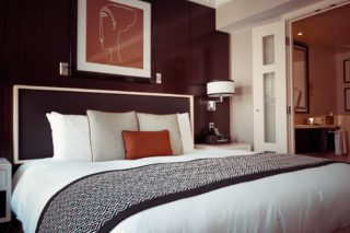 Hotel_Zimmer_Bett