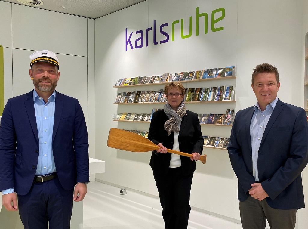André Lomsky (l.) mit Gabriele Luczak-Schwarz und Torsten Dollinger