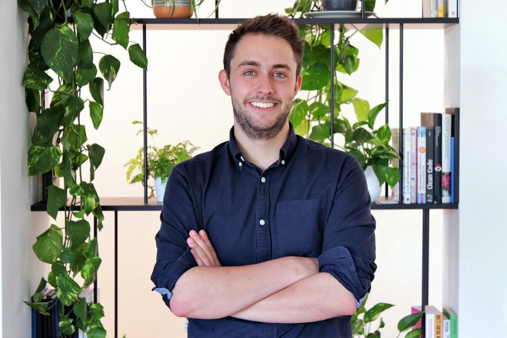"""Felix Willert, Student des Bachelorstudiengangs Betriebswirtschaft und Management, erhält als einziger Deutscher den internationalen Preis """"20 in Their Twenties"""" und wird damit als einer der besten Nachwuchskräfte der Veranstaltungsbranche ausgezeichnet."""