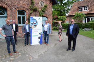 (v.l.n.r.): Timo Bielefeld (Panexpo), Dr. Stefan Terkatz (1. Vorsitzender IG Messewesen) Matthias Beyer (Geschäftsführer Panexpo), Bundestagsabgeordneter Andreas Mattfeldt (CDU), Claudia Sillje (Panexpo) und Ralph Ebben (Vorstand IG Messewesen)